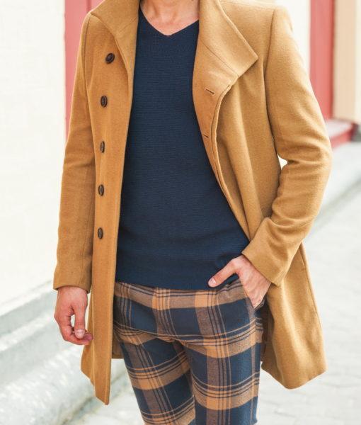 Мужское пальто с косым воротом горчичного цвета. Арт.:1-240-2