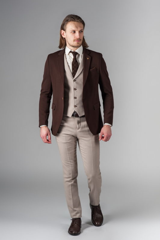 Приталенный пиджак мужской коричневого цвета. Арт.:2-217-2