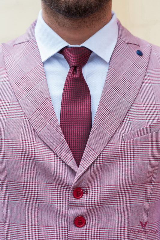 Розовый мужской жилет в бордовую клетку. Арт.:3-221-3