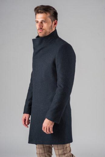 Демисезонное приталенное пальто с асимметричным бортом сбоку