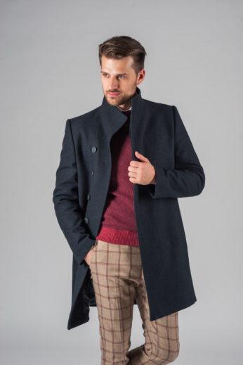 Демисезонное приталенное пальто с асимметричным бортом