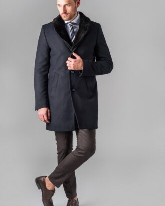 Приталенное зимнее пальто
