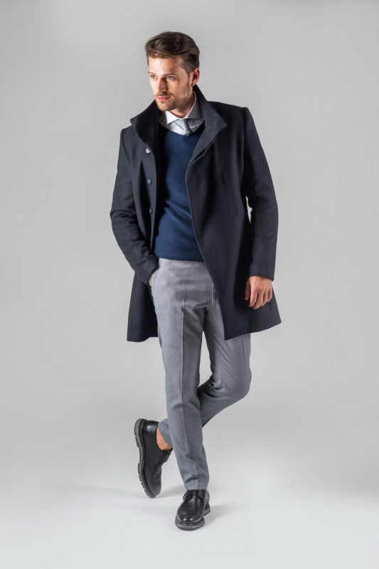 Мужское пальто с косым бортом темно-синего цвета. Арт.:1-310-1