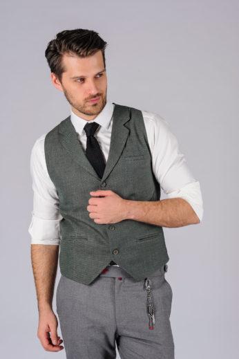 Стильный жилет серого цвета с галстуком