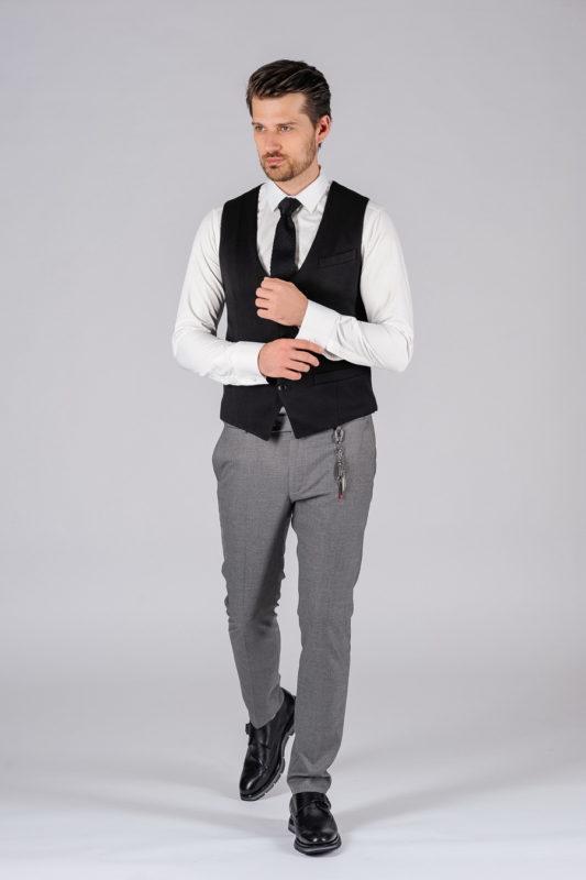 Мужская жилетка черного цвета. Арт.:3-101-3