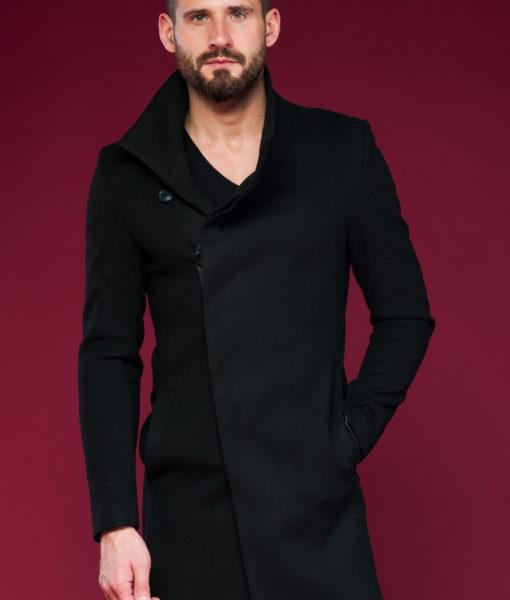 Стильное пальто с косым бортом