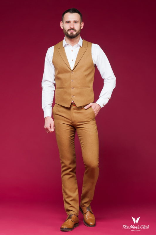 Комплект из жилета и брюк цвета кэмел. Арт.:4-452-5