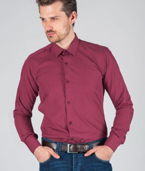 Мужская рубашка лилового цвета.