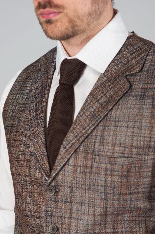Коричневый жилет из фактурной ткани Арт.:3-016-1