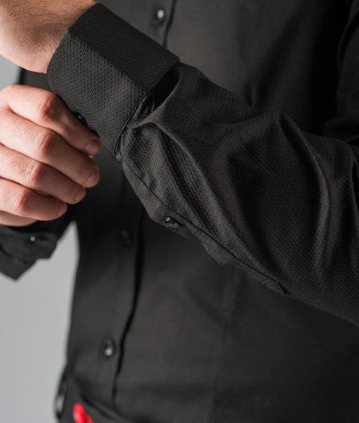 Черная рубашка из фактурной ткани