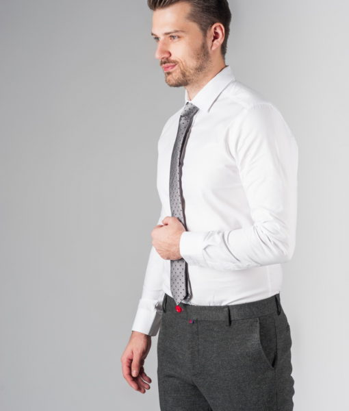 Белая рубашка из хлопка
