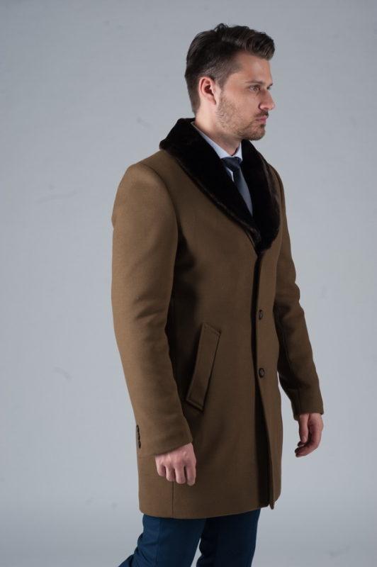 Мужское зимнее пальто с меховым воротником. Арт.:1-241-10