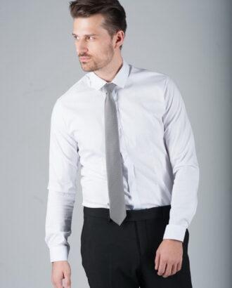 Белая приталенная рубашка с планкой