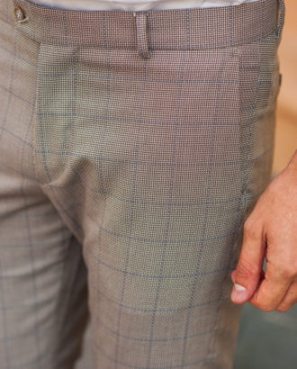 Бежевые мужские брюки в крупную клетку. Арт.:6-524-2