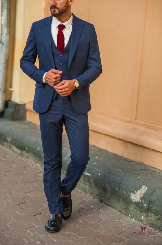 Мужской костюм-тройка в тонкую полоску. Арт.:4-530-5