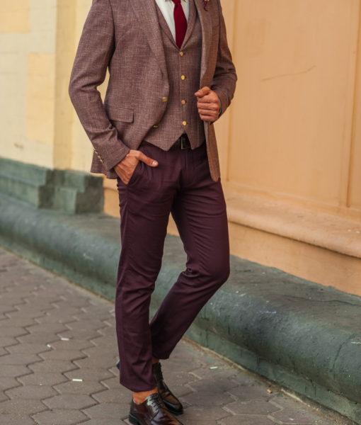 Мужской костюм из пиджака и жилета бордового цвета. Арт.:4-532-4