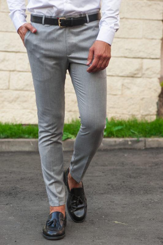 Мужские брюки чинос светло-серого цвета. Арт.:6-505-3