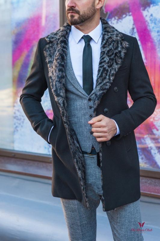Черное мужское пальто с меховым воротником.  Арт.:1-586-10