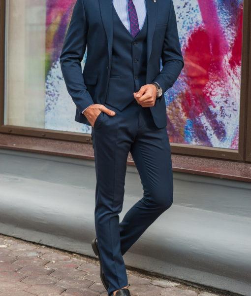 Синий мужской костюм тройка приталенного кроя. Арт.:4-578-1