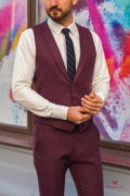 Стильный комплект из жилета и брюк бордового цвета.  Арт.:4-584-3
