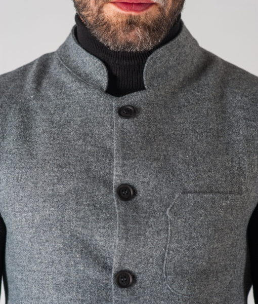 Мужской жилет серого цвета с воротником стойкой. Арт.:3-616-3