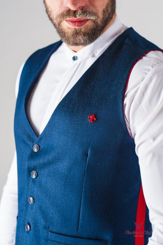 Синий мужской жилет с красными вставками. Арт.:3-631-3