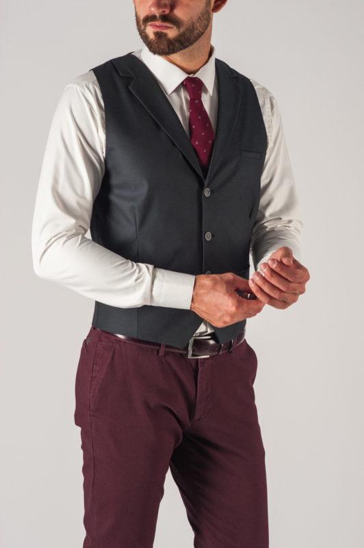 Мужская жилетка темного цвета. Арт.:3-730-1