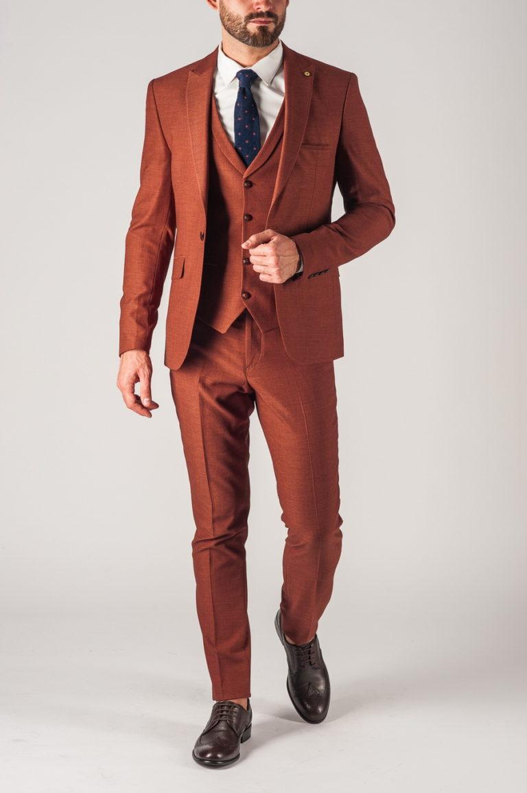 имеет самые модные костюмы фото мужские коричневый цвет плохо чистить