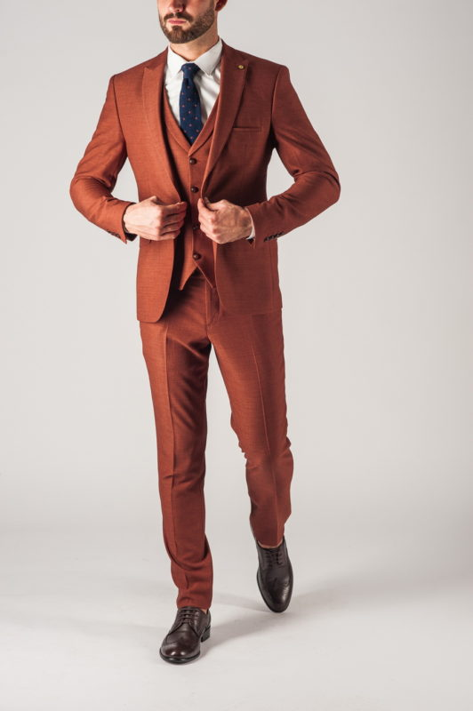 Мужской костюм-тройка коричневого цвета. Арт.:4-749-5