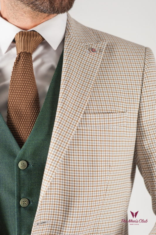 Мужской пиджак светлого цвета в клетку. Арт.:2-831-8