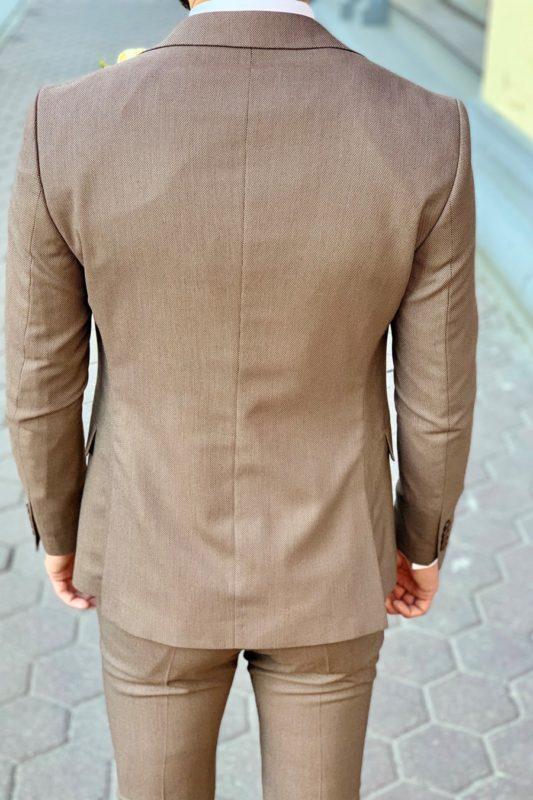 Мужской костюм-тройка бежевого цвета. Арт.:4-940-3
