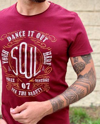 Бордовая футболка с принтом. Арт.:16-003