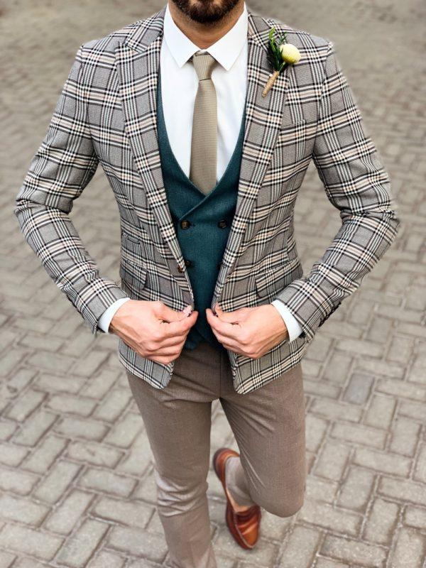 Мужской костюм-тройка бежевого цвета. Арт.:4-1137-3