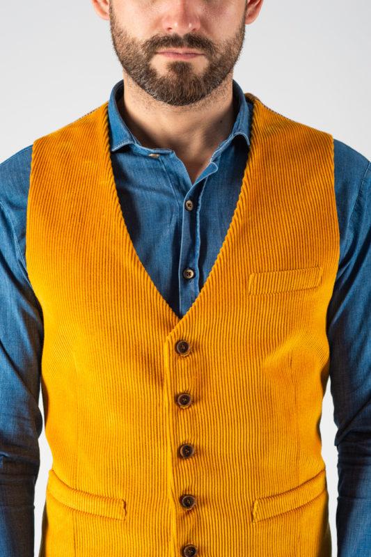Вельветовая жилетка желтого цвета. Арт.:3-1242-3