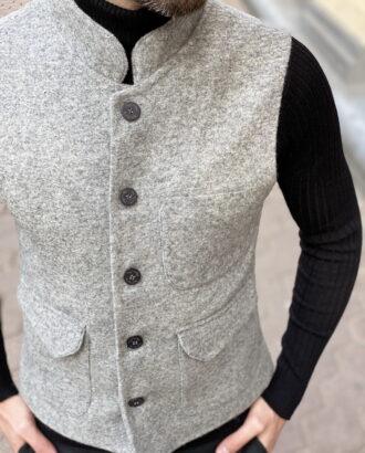 Мужской серый жилет с воротником-стойкой. Арт.: 3-1251-3