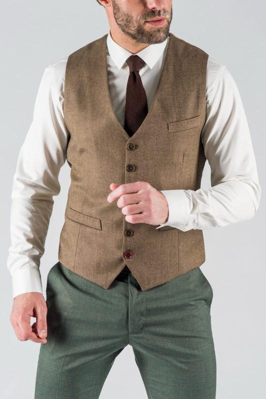 Мужской жилет коричневого цвета. Арт.:3-1325-10