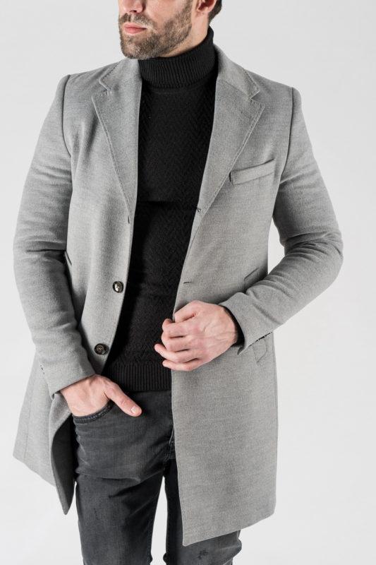 Зимнее пальто светлого цвета. Арт.:1-1302-10