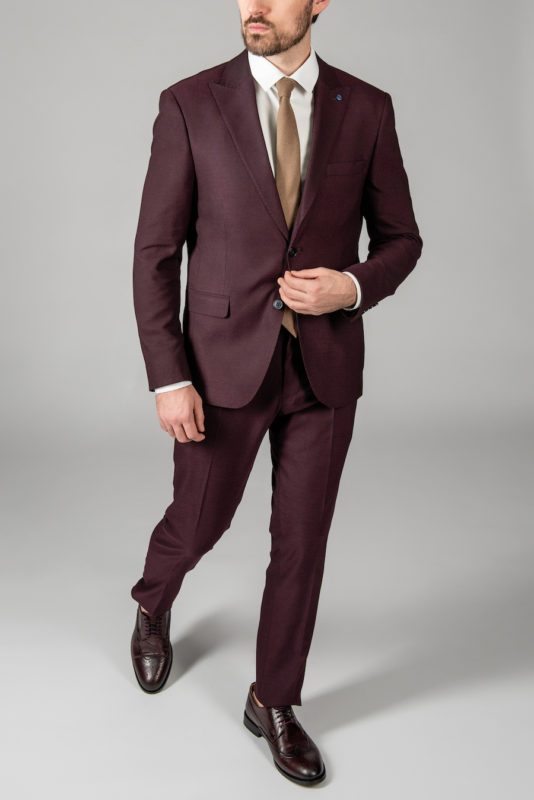 Приталенный мужской костюм-двойка цвета бордо. Арт.: 4-1416-8