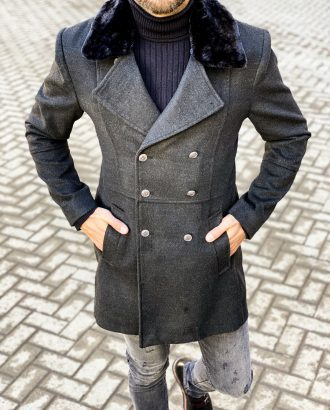 Черное двубортное пальто с мехом. Арт.:1-1453-1