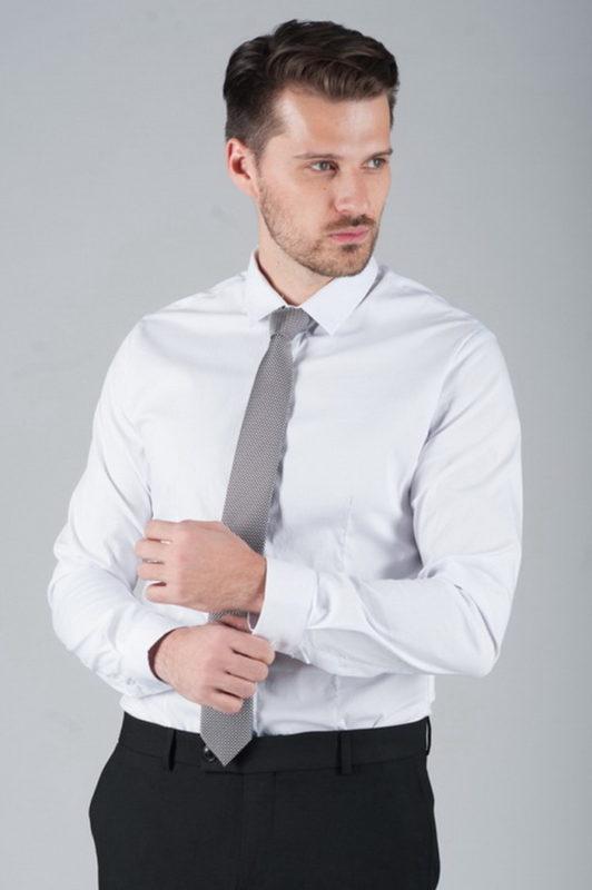 Классическая рубашка мужская. Должна быть у каждого.