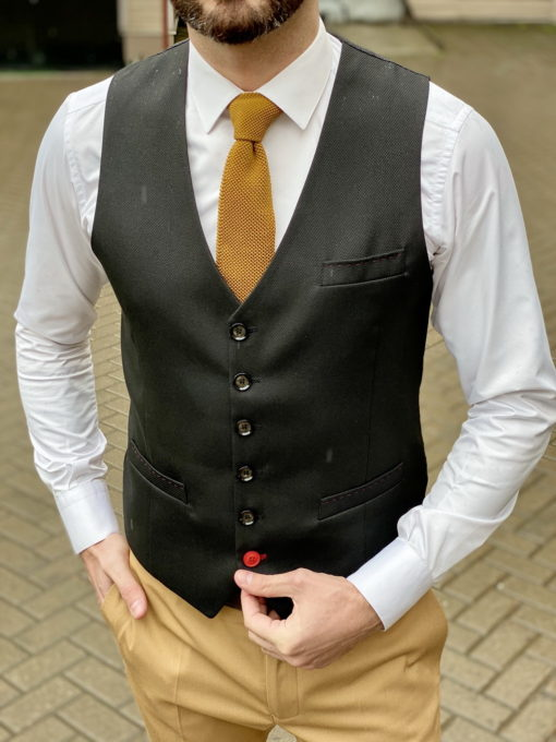 Мужской приталенный жилет черного цвета. Арт.:3-1617-10