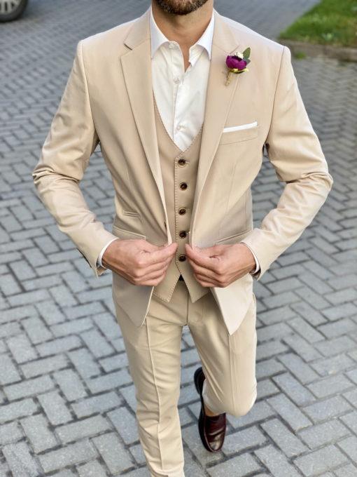 Мужской костюм-тройка бежевого цвета. Арт.:4-1724-3