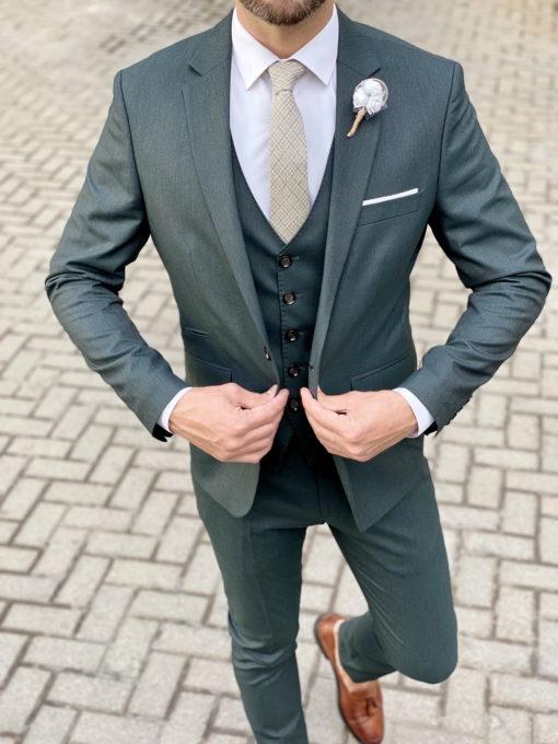 Зеленый костюм-тройка приталенного покроя. Арт.:4-1729-3