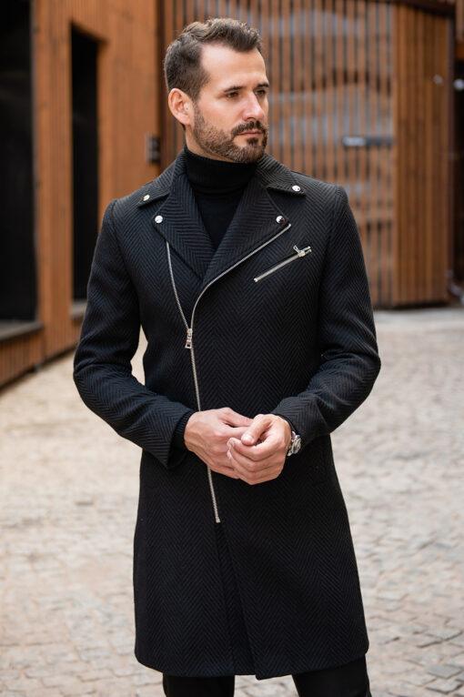 Стильное пальто черного цвета с косым бортом. Арт.:1-1781-2