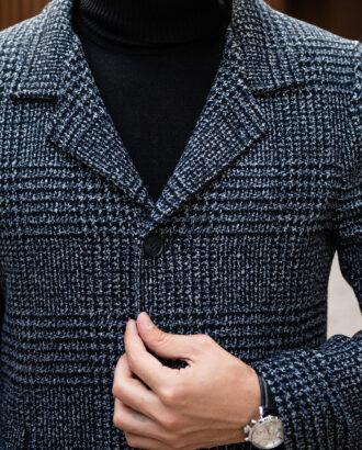 Серое пальто с отложным воротником в клетку. Арт.:1-1782-2