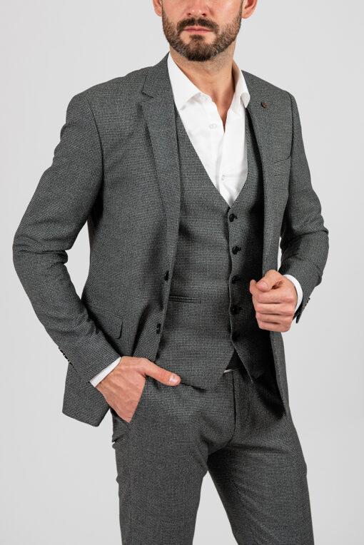 Серый костюм-тройка,  приталенного покроя. Арт.:4-1861-8