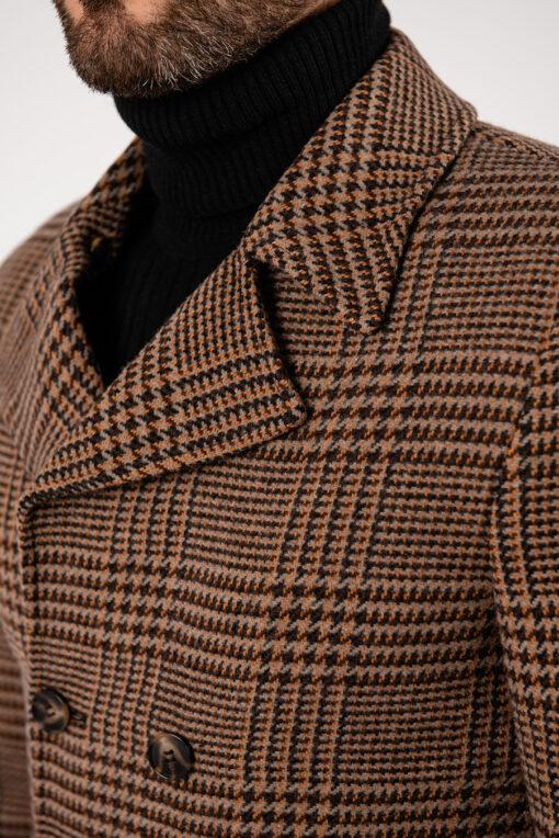 Двубортное пальто бежевого цвета в клетку. Арт.:1-1926-2