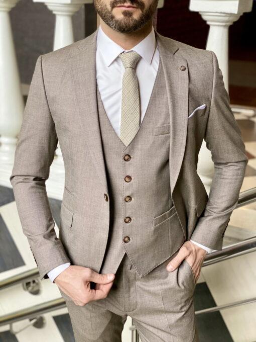 Мужской костюм-тройка бежевого цвета. Арт.:4-1974-3