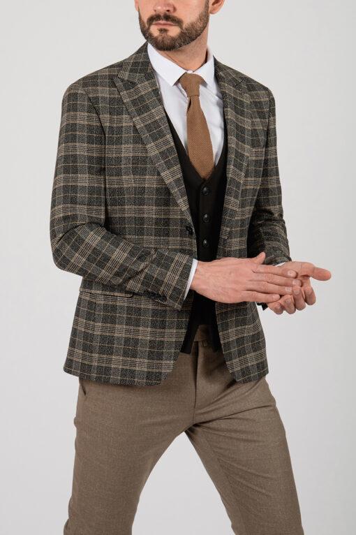 Коричневый пиджак в клетку приталенного кроя. Арт.:2-2117-8