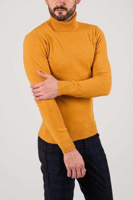 Стильная водолазка жёлтого цвета. Арт.:8-2160